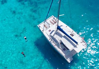 monohull vs catamaran