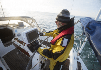 how to read a boat gps